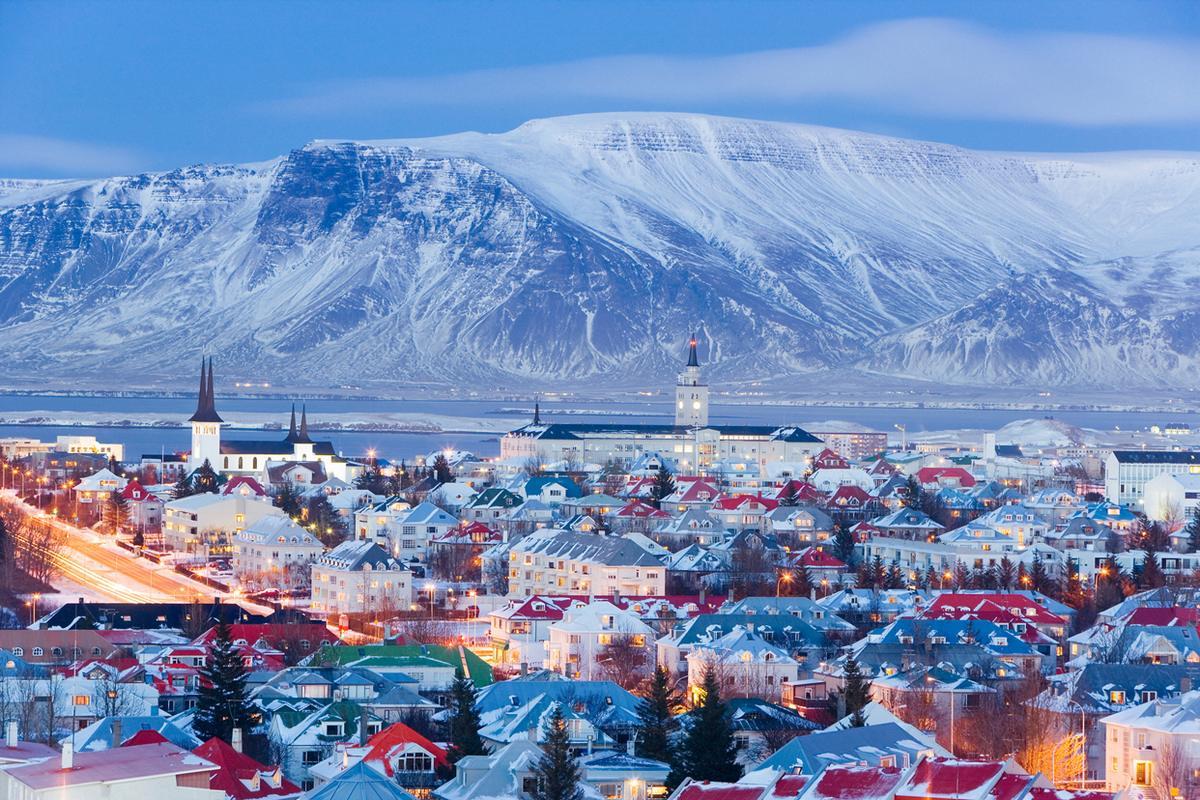 「iceland reykjavik winter」の画像検索結果